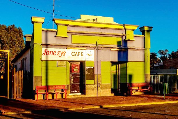 Jonesys Cafe Shopfront n Mullewa